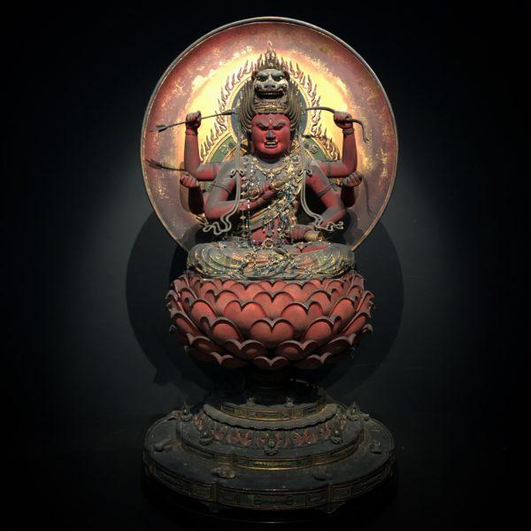 重要文化財の《愛染明王坐像》