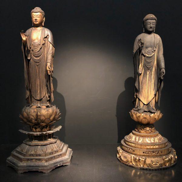 東京国立博物館所蔵の《阿弥陀如来立像》二体