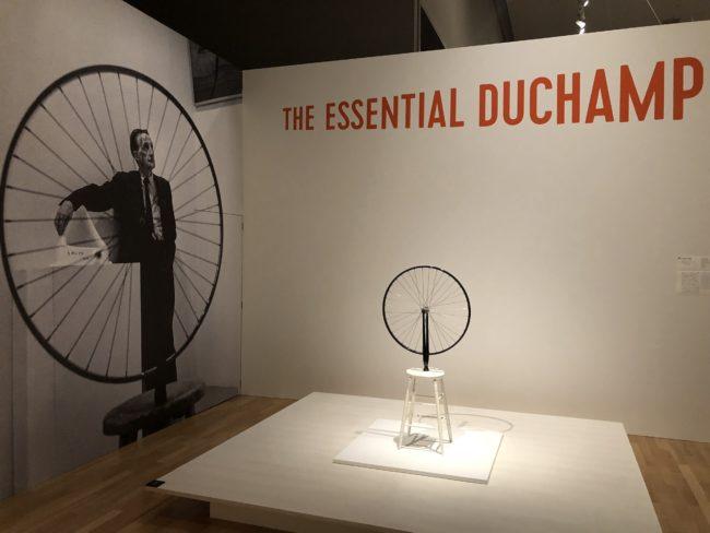 マルセル・デュシャン《自転車の車輪》